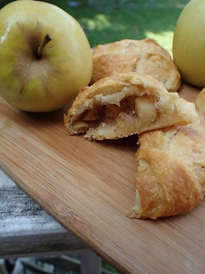 Easy Fall Recipe: Apple Pie Puffs