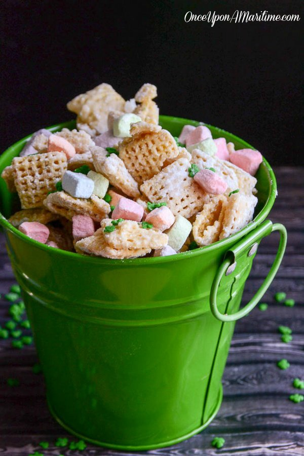 Sweet St. Patrick's Day Party Treat - Lucky Charms Chex Mix 5