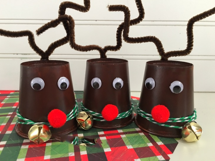 DIY: Easy Reindeer Dixie Cup Craft